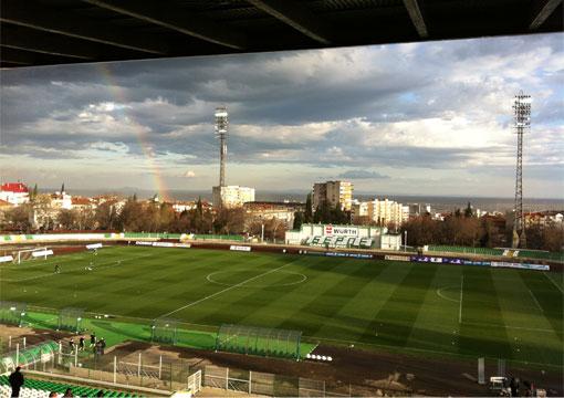 """Реновация на тревното покритие на стадион """"Берое"""" от Green Game"""
